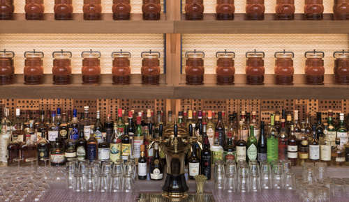 Chicago Athletic Association_Cindy's_Bar_Honey Jars_Thomas Shelby