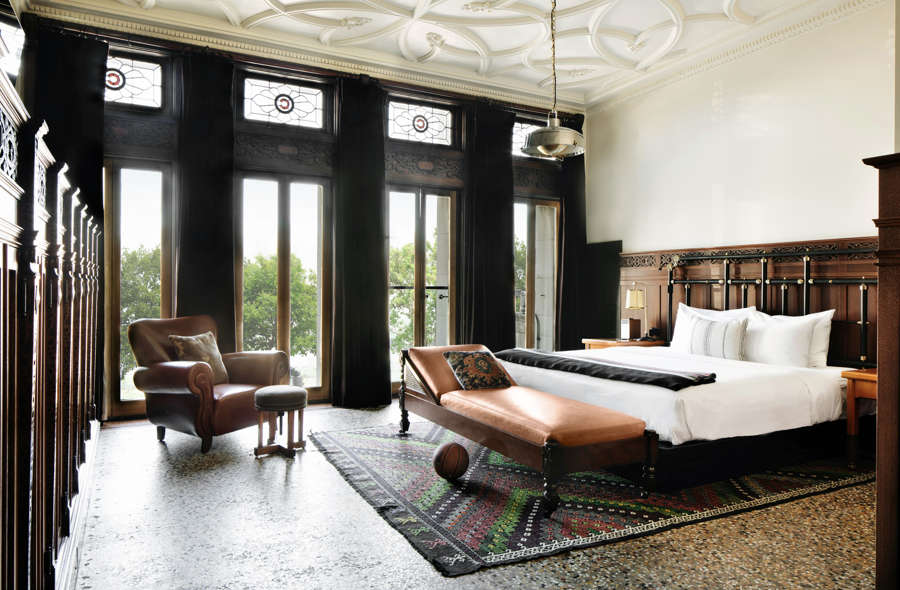 Chicago-Athletic-Association-1-King-Bed-Founders-Room-328-2