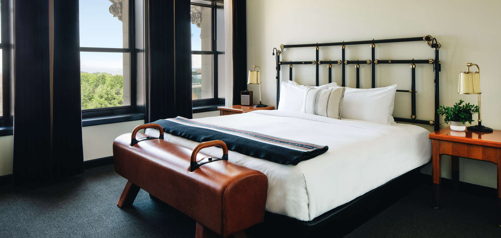 Chicago-Athletic-Association-1-King-Bed-With-Millennium-Park-View-
