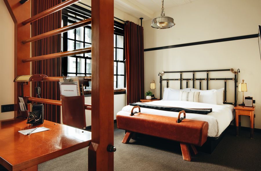 Chicago-Athletic-Association-Junior-Suite-1-King-Bed-Madison-View-1