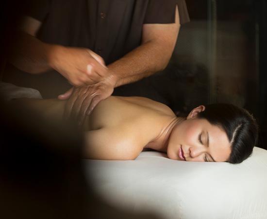 Carmel-Valley-Ranch_Spa_female-massage-treatment550x450