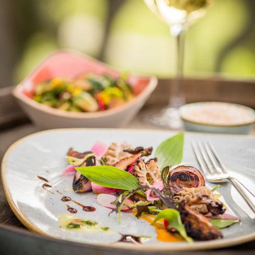 Morrel mushroom salad and white wine