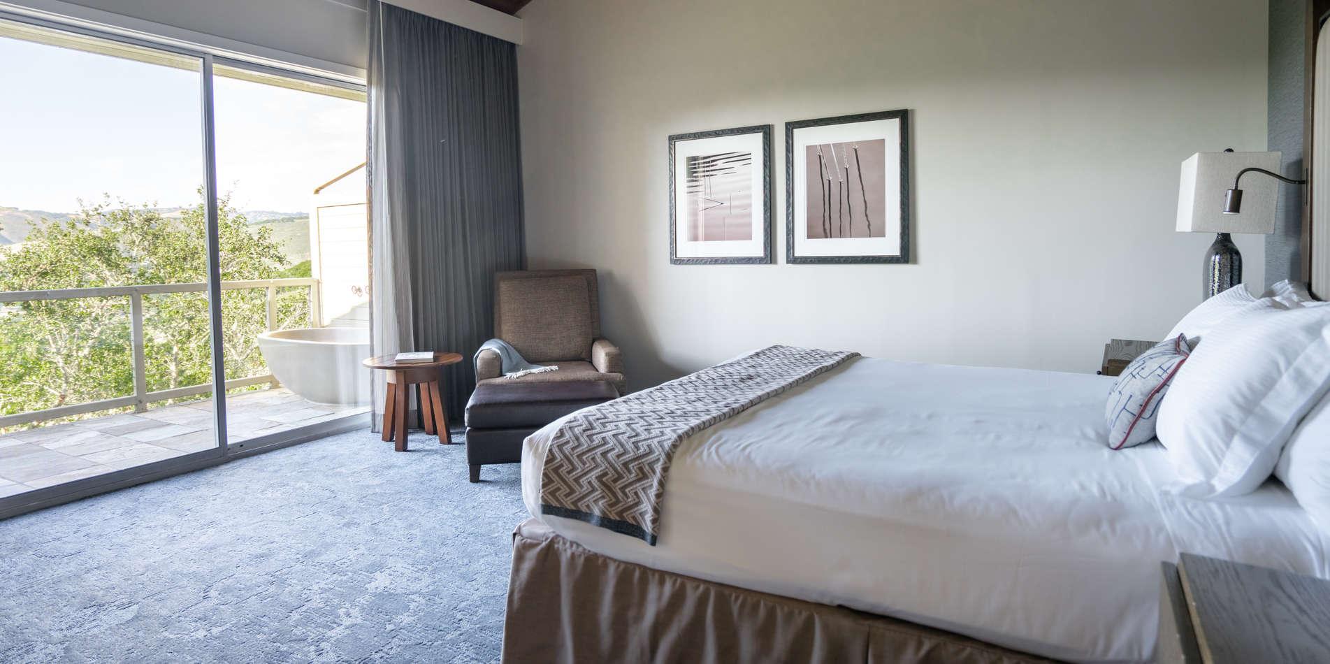Carmel Valley Ranch_Accommodations_Ranch King_Outdoor Tub_Bedroom_326_2_CR