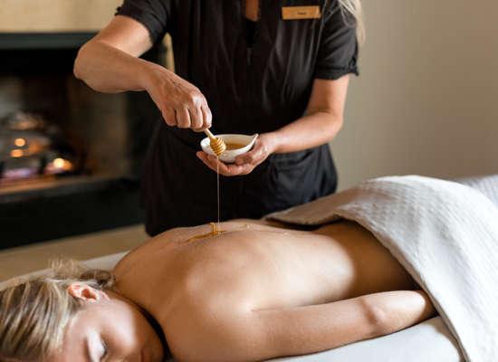 Carmel Valley Ranch_Spa Aiyana_Lifestyle_female massage_honey_28_SRusso