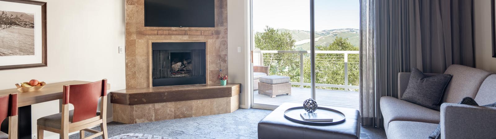 Carmel Valley Ranch_Accommodations_Santa Lucia Studio King_Bedroom_336_3_CR