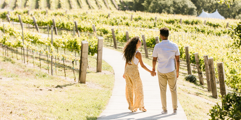 Carmel Valley Ranch_Lifestyle_Vineyard Walk_Couple_3341_KD