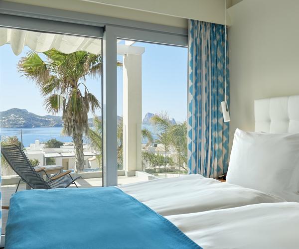 IBZDH_P0063_Laguna_Suite_Sea_View_Two_Bedroom