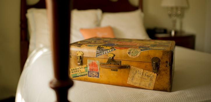 TheCarolinaInn_Guestroom_Luggage