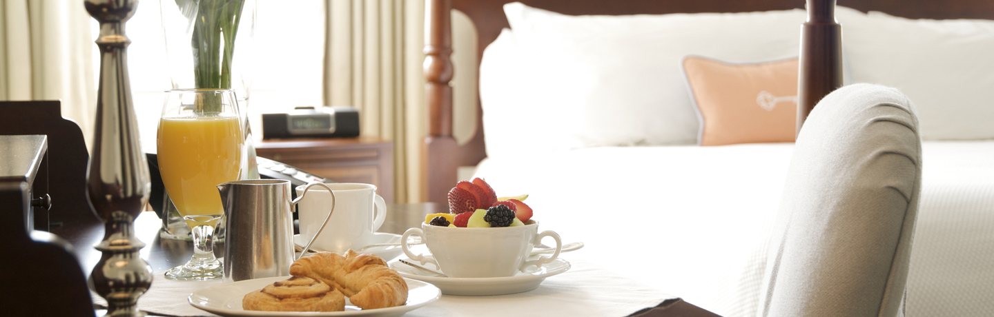 TheCarolinaInn_In-RoomDining_Breakfast