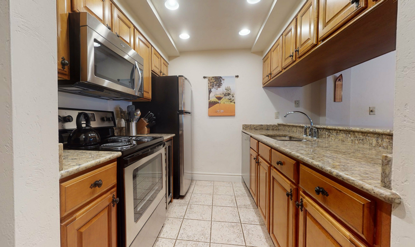 Fall-Ridge-204-kitchen