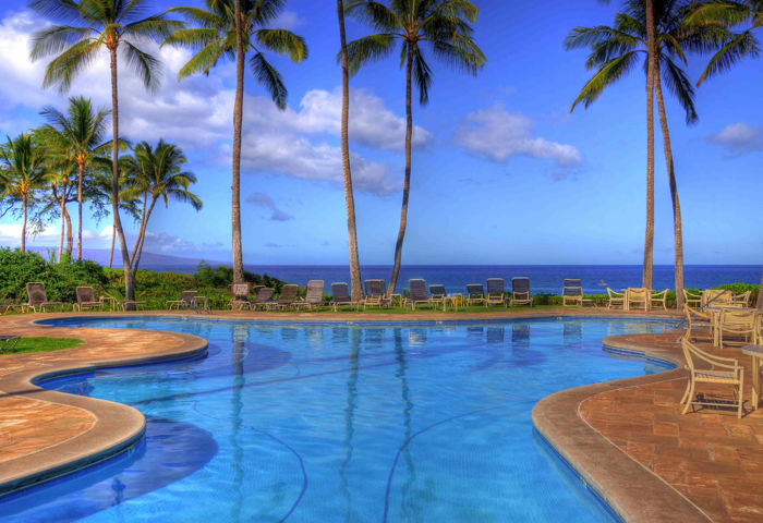 DR_Hawaii_Ekahi_Exterior_Pool View