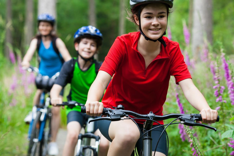 Stowe Kids Riding Bikes