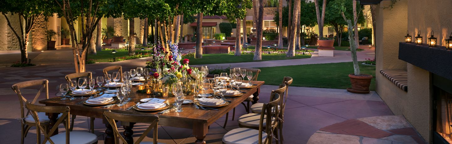 TempeMissionPalms_Courtyard_dining_Table