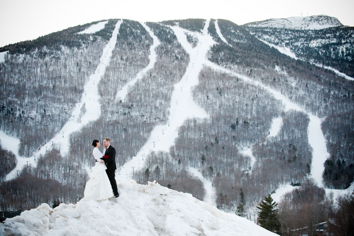 Stowe Wedding Snow bank couple