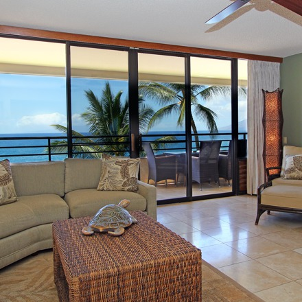 drhawaii_pol_2br_condos_ocean_view_living_room_rv