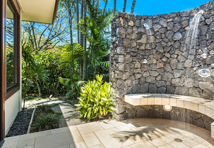DRHawaii_ChampionRidge_Exterior_OutdoorShower