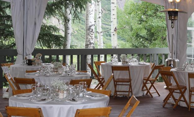 drsnowmass_wedding_outdoor_tentandtables