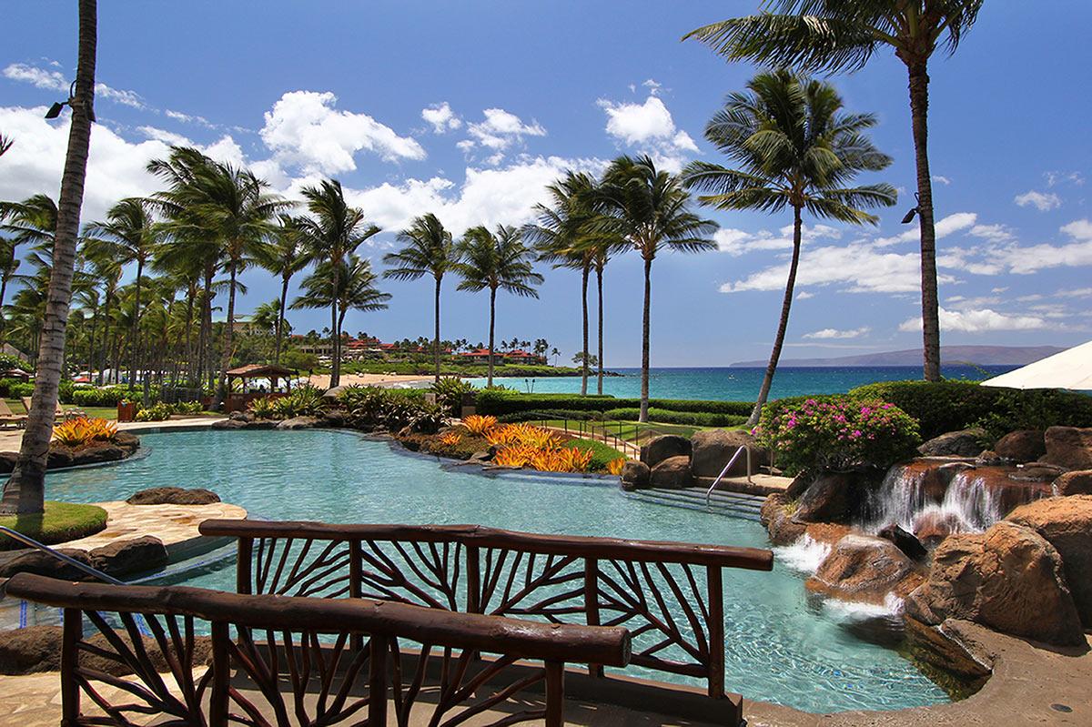 Wailea Beach Villas oceanfront infinity pool