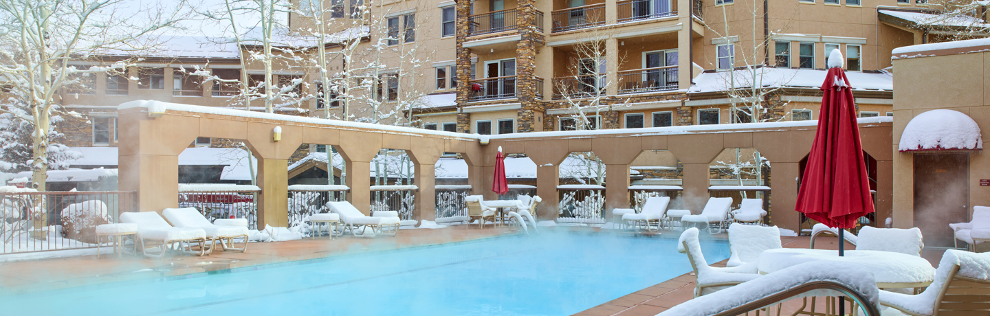 drsnowmass_accommodations_wrp_pool_winter