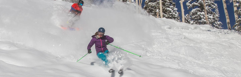 drsnowmass_location_lifestyle_AspenHighlands_skiers_JordanCuret