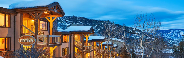 drsnowmass_accommodations_exterior_winter_terracehouse_dusk