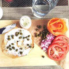 drsnowmass_dining_artisan_bagel_breakfast