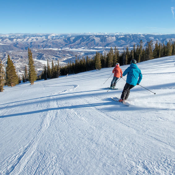 Skiing groomers in Aspen Snowmass