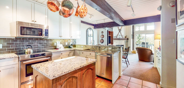 drsnowmass_accommodations_interlude303_3BDP_kitchen
