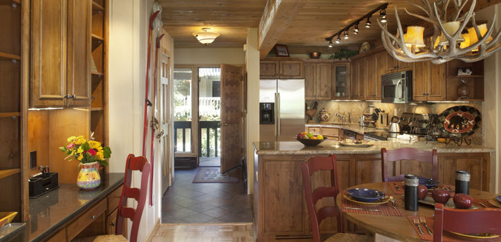 drsnowmass_accommodations_interlude_2bdp_kitchen