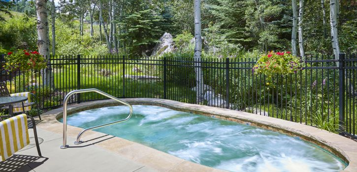 drsnowmass_accommodations_interlude_hottub_jets_summer