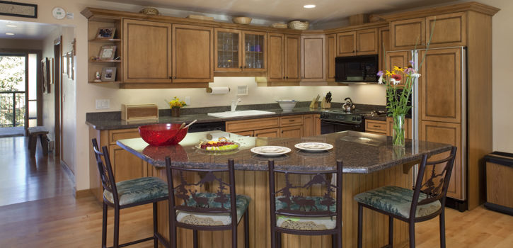drsnowmass_accommodations_shadowbrook_3b3b_kitchen