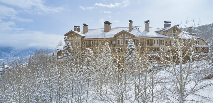 drsnowmass_accommodations_wrp_exterior_winter1