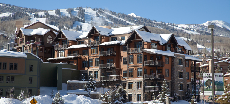 Snowmass_Base_Village_Exterior_Winter