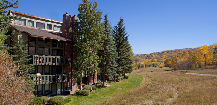 Snowmass_Interlude_Exterior_Autumn