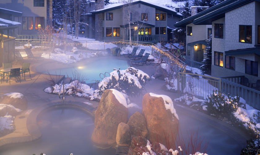 drsnowmass_tamarack_amenities_poolinwinter