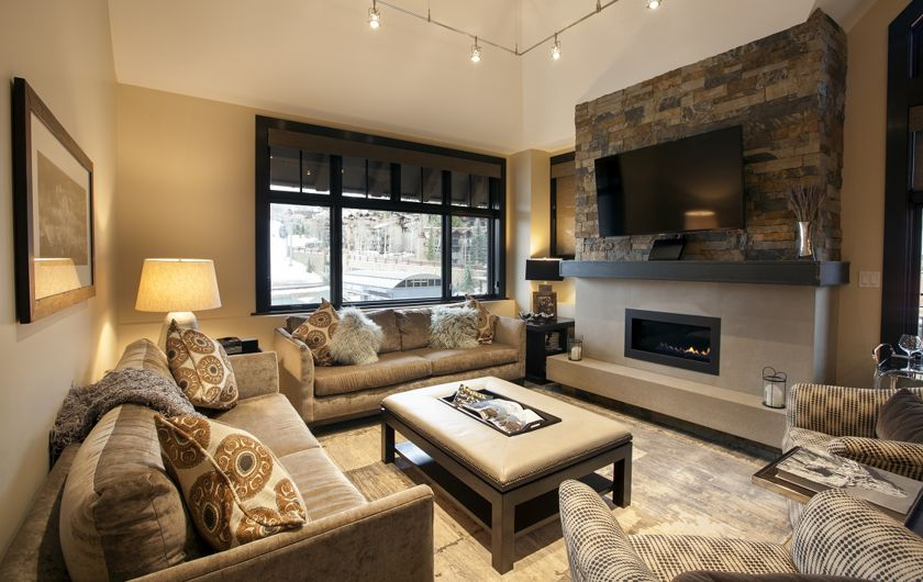 Capitol Peak Lodge, luxury ski-in/ski-out condominiums