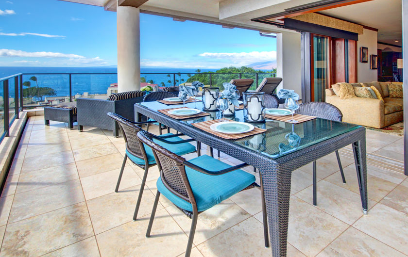 DR_Hawaii_Wailea Beach Villas_Interior_Lanai_Dining_View