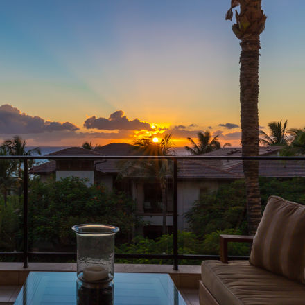 DR_Hawaii_Wailea Beach Villas_Interior_View_Sunset
