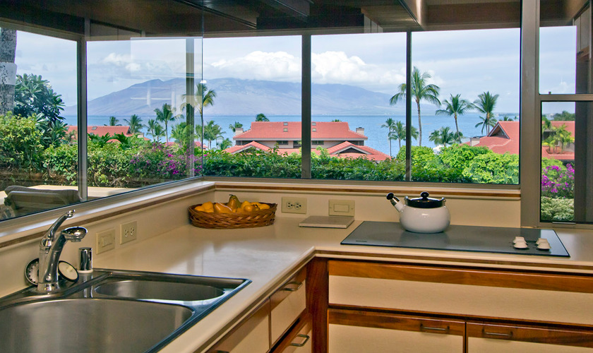 DR_Hawaii_Wailea Point_Kitchen_2303