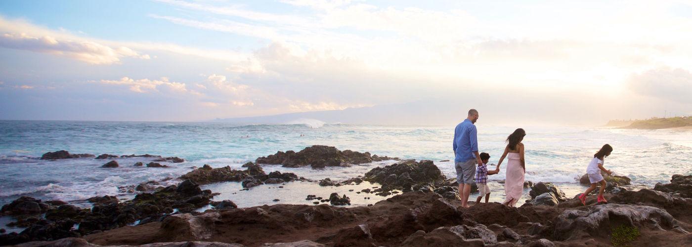 DR_Hawaii_SummerPromo_family-sunset_flipped-horizontally