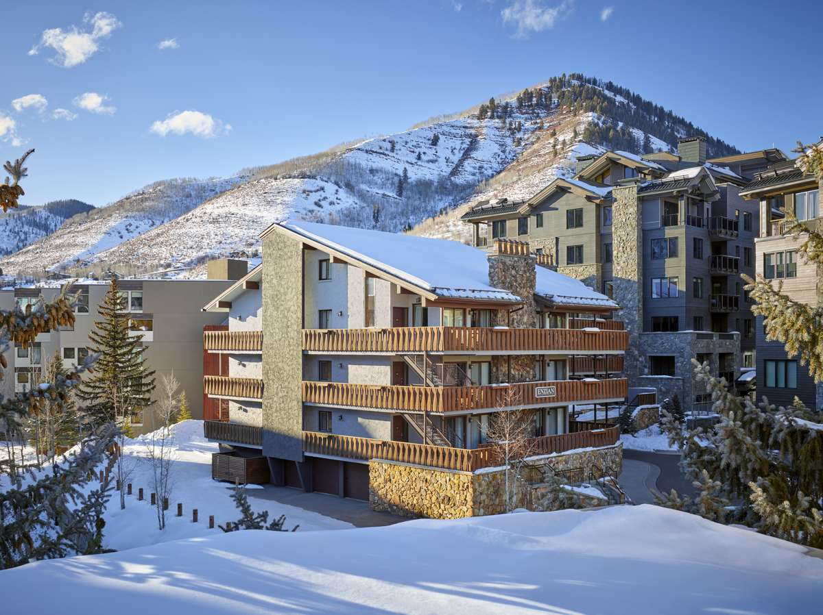 drvail_accommodations_enzian_exteriorwinter_2020