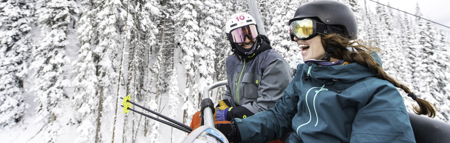 drvail_activities_vailresorts_friends_skilift