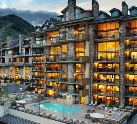 Landmark_accommodations_exterior_pool169