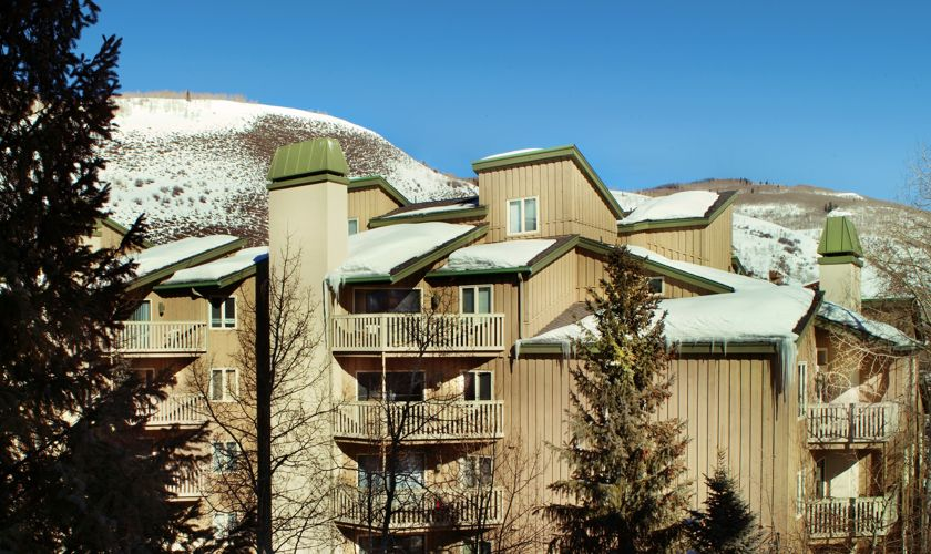 Westwind_Accommodations_Exterior