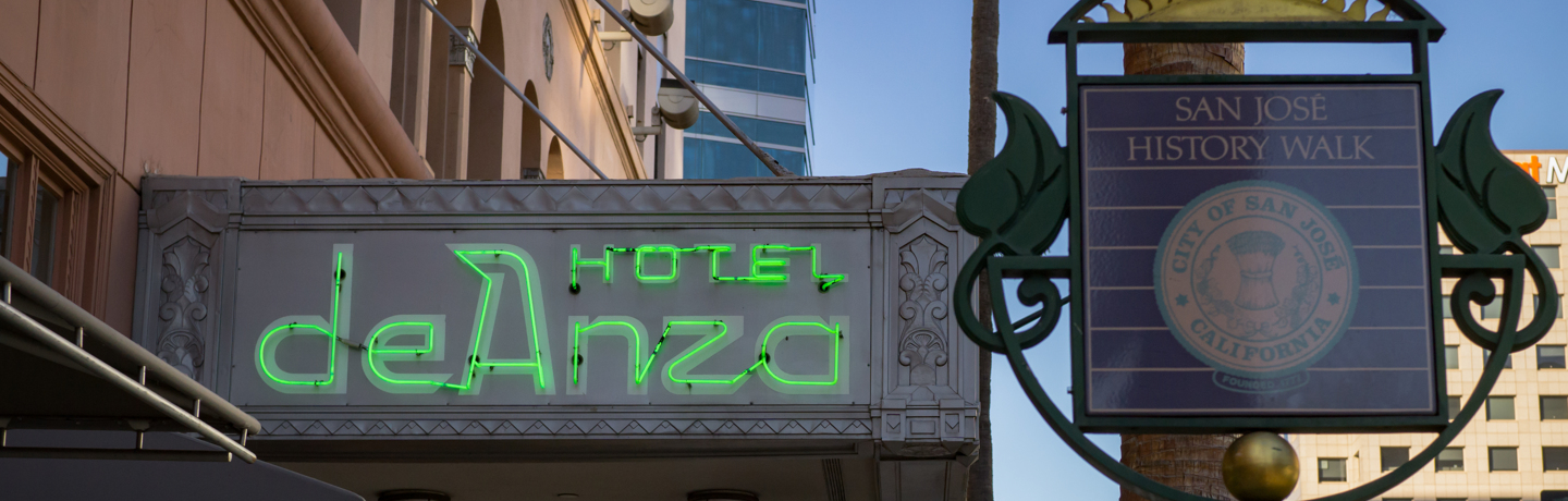 Hotel De Anza_Exterior_Green Sign