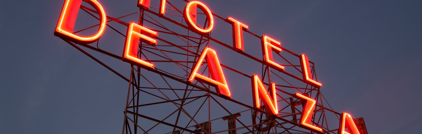 Hotel De Anza_Exterior_Sign_Close Up
