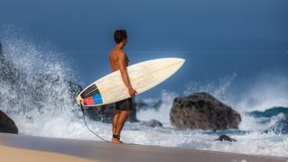 Destination-Wailea-surf-3