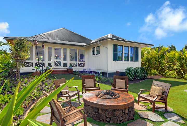 DRH_Kauai_Residences_Cottage_exterior_firepit