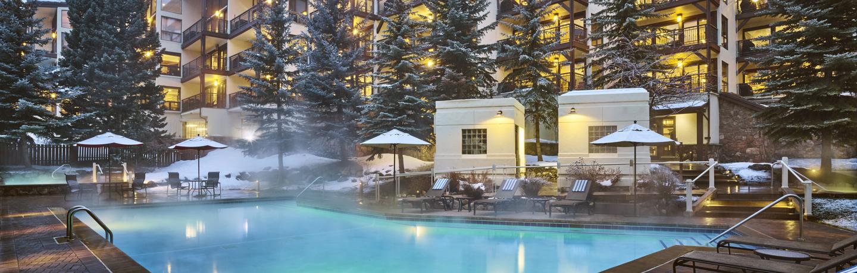 montaneros_exterior_winter_pool