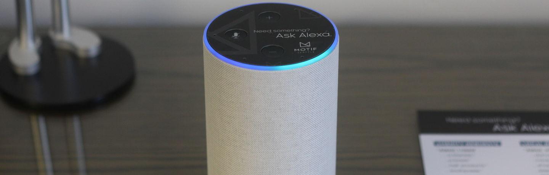 Motif_Alexa_Desk2